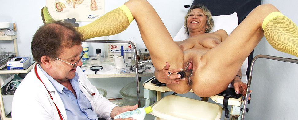 Amateur moms with big tits at gynecologist