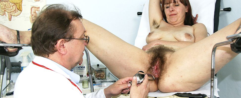 Hairy amateur moms at gyno doctor